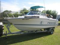 Bayliner Trophy 2002 WA photo gallery, plans and images