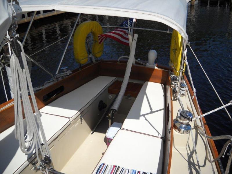 Tartan 34c - 1977 sailing yacht for sale - Sale info