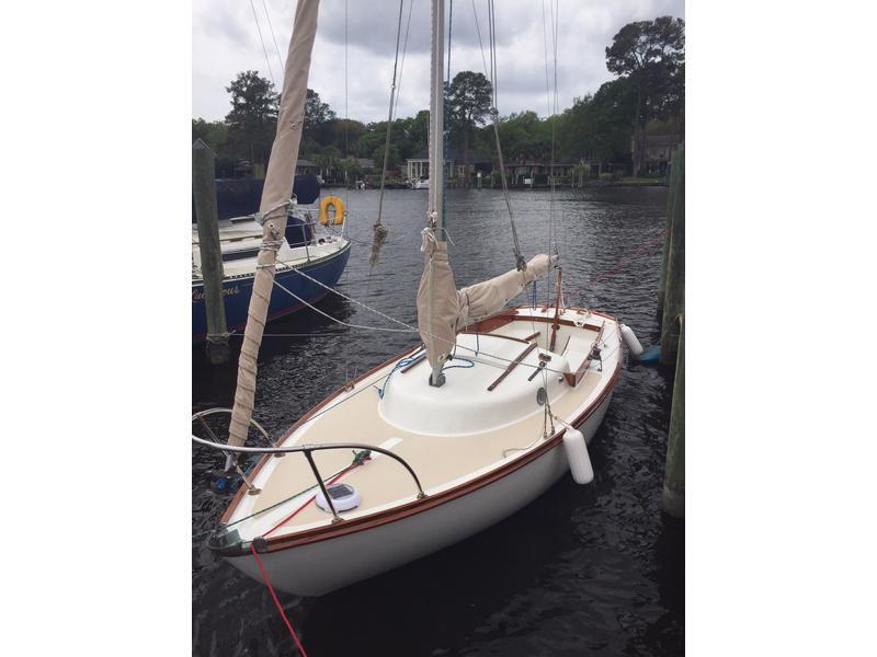 Beneteau Oceanis 40 - 2011 sailing yacht for sale - Sale info